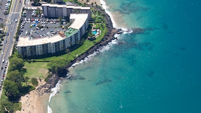 Royal Mauian sits on a lava outcropping between Kamaole Beaches I and II